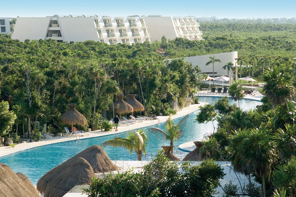 universal vacation resorts grand sirenis riviera maya resort spa riviera maya. Black Bedroom Furniture Sets. Home Design Ideas
